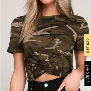Green Camo Print Twist Front Cropped Tee